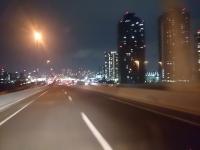 帰巣 夜 高速道路 イルミネーション