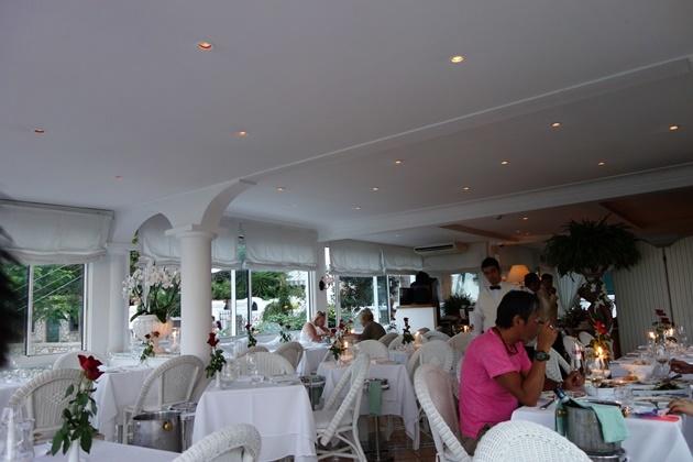 レストラン6
