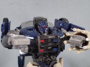 トランスフォーマー TLK-02 バリケード (1)