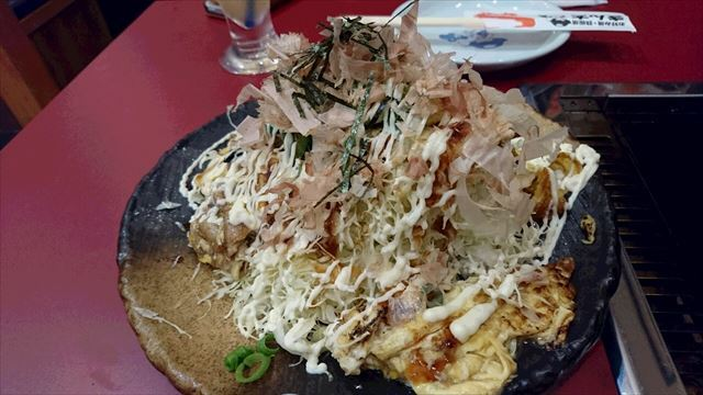山盛りキャベツのとん平焼サラダ