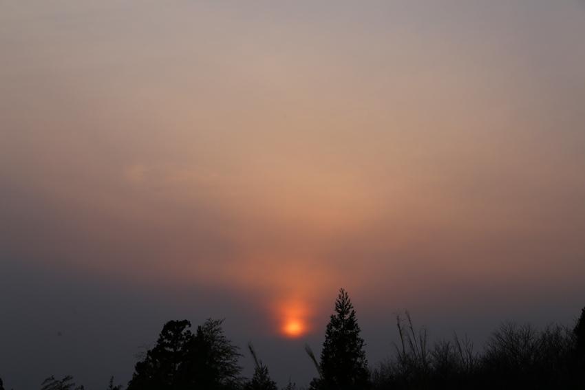20170305夕焼けと春霞と雲