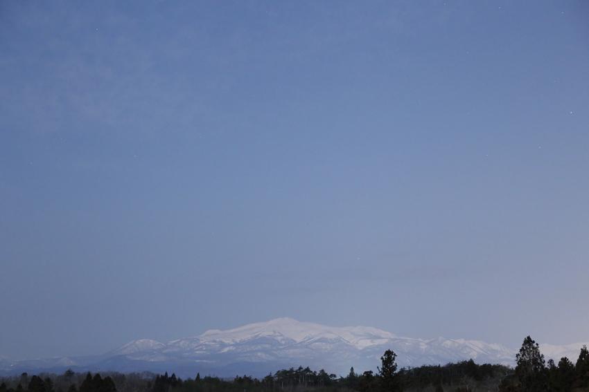 20170312満月に照らされた栗駒山