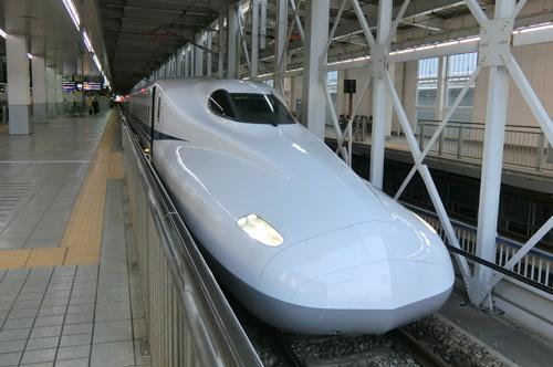 博多で新幹線に乗り換えです。