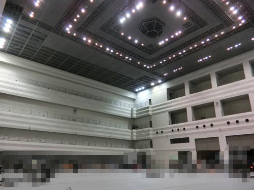 天井は結構高いのよ。