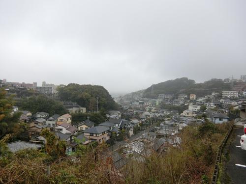 小雨と霧が。