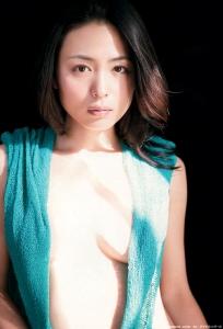 kawamura_yukie_g146.jpg