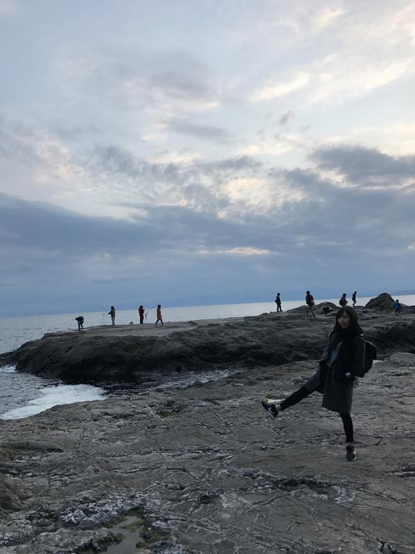 新内眞衣 鎌倉の海