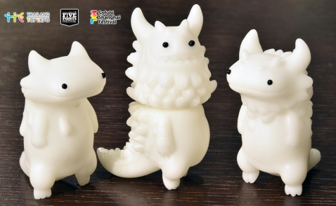artist-mini-sofubi-series1-artistedition-gid-top.jpg