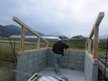 堆肥置き場の屋根作り6