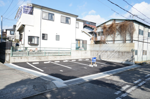 片山町1丁目月極駐車場
