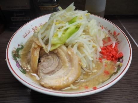 170401_横浜関内_小ラーメン_麺少な目_ニンニクベニ