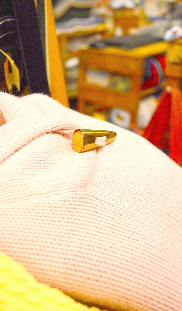 東京都北区王子にある古着屋カチカチ店内画像017