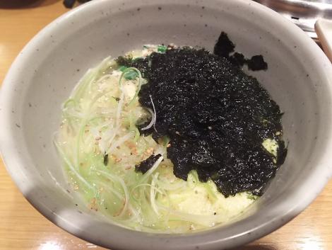 たっぷり韓国海苔のねぎ塩ラーメン