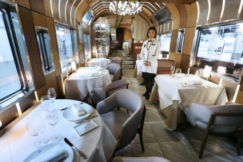 Train-Suite-Shikishima-4.jpeg