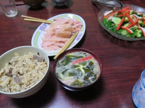 おでん汁リサイクル中華おこわ風炊き込みご飯、岩下汁のさんらーたん、カニカマとキュウリのわさび醤油