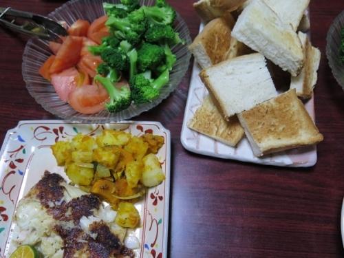 トロカレイのチーズ焼き、ジャガイモとカボチャのバターソテー、ブロッコリー&トマト、トースト