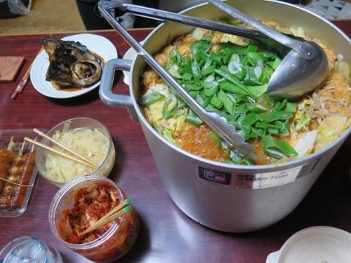 タンタンゴマ鍋とマグロの兜焼き