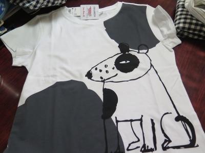 犬のTシャツ