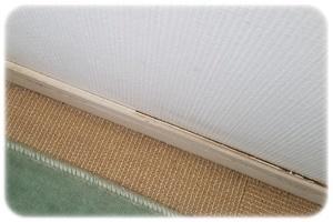 窓下の床と巾木