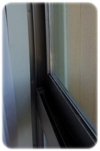 窓枠とサッシ