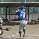 5回裏、先頭の伊藤永が安打で出塁