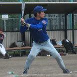 7回表、佐藤が同点適時二塁打を放つ