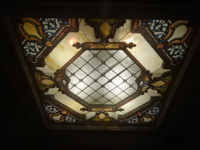 三越劇場 ステンドグラス