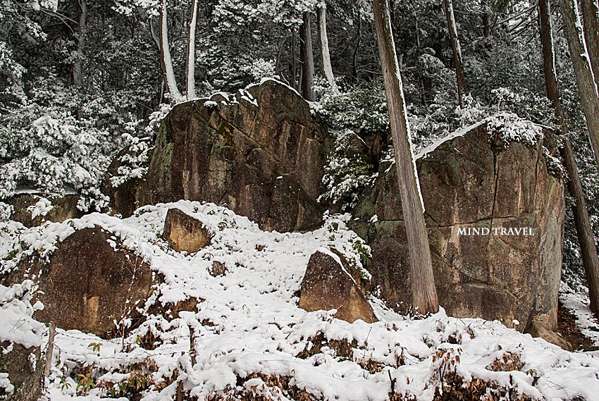 長命寺-すたら岩