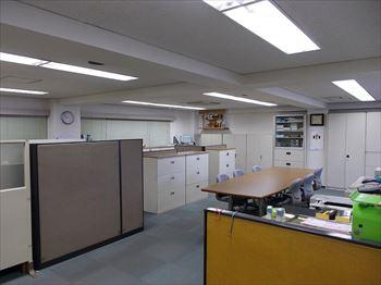 東京ネオンビル2階事務書1_R