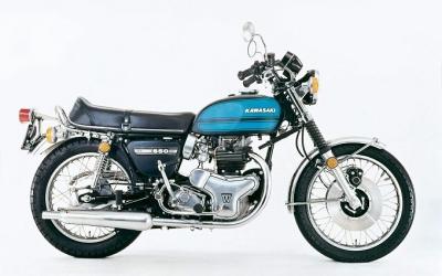 Kawasaki_W3_2.jpg