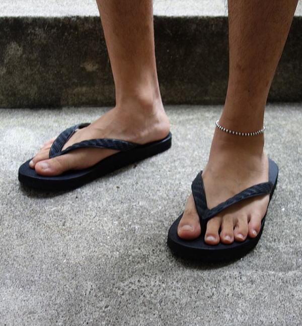 CIRCUS_sandal5.jpg