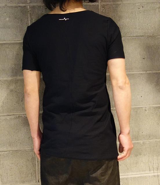 LAMINAE_Tshirt_BLK2.jpg