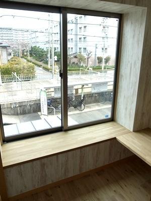 sumihiro出窓腰掛1704