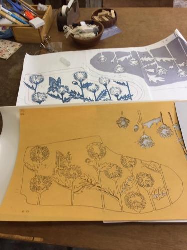 170508_AKI藍染め足袋型紙作業02