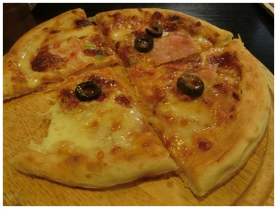 朝のピザ(生ハム)
