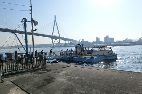 10 天保山渡船の桜島側