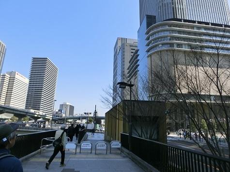 18 大川沿い・右 フェスティバルホール