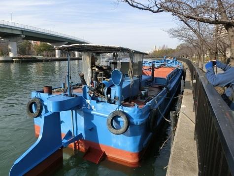 15 係留の工事用舟