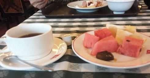 3 食後のコーヒーとスイカ