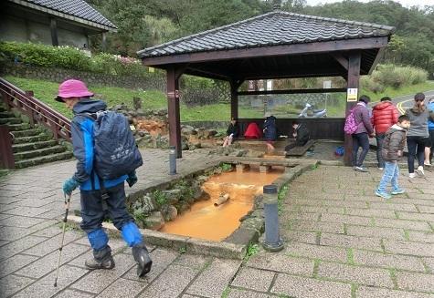 16 冷水坑の足湯