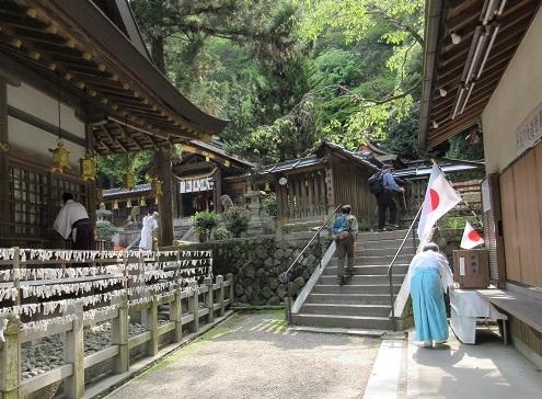 4 枚岡神社・境内