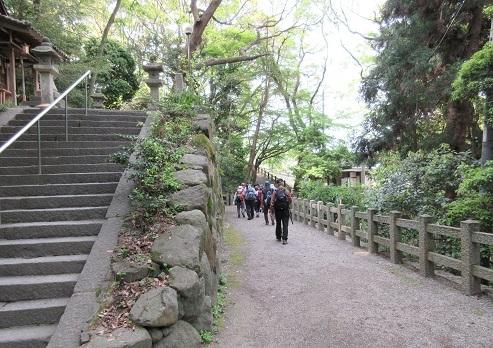 6 枚岡神社・境内を通って・・・