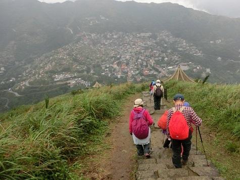 17 登山道を下る