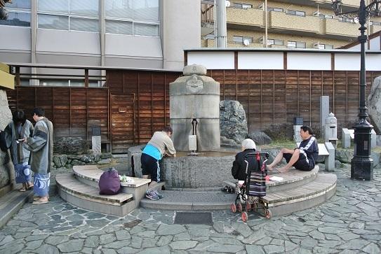 3 観光客や地元の方が利用されています