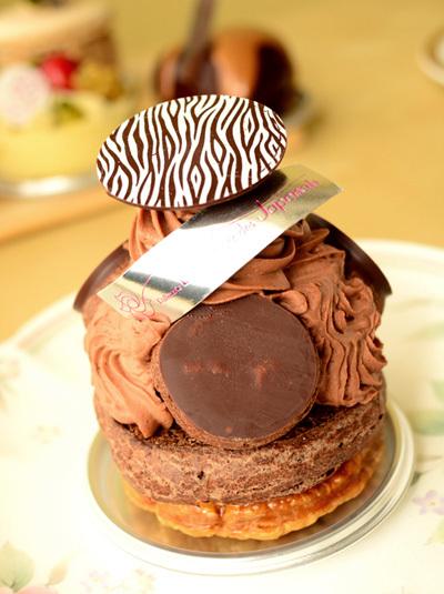 【ケーキ】ラ・ローズ・ジャポネ「サントノーレポムショコラ」 (2)