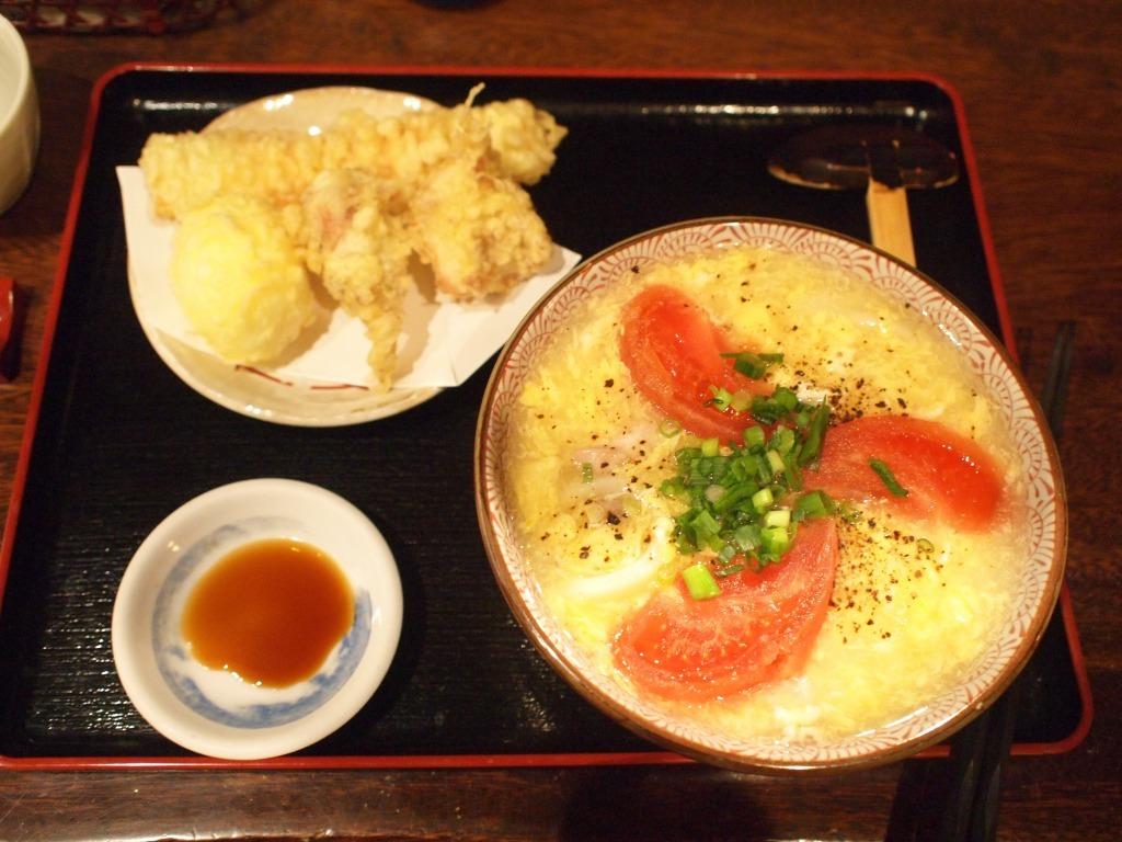 鶏卵トマトうどん