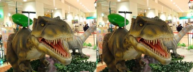 イオン東大阪店 恐竜ロボット ティラノサウルス②(交差法)