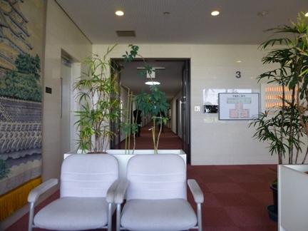 本会議場に入る前の休憩場所