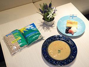 Elenaさんの木曜日の豆のスープ パンケーキ付き