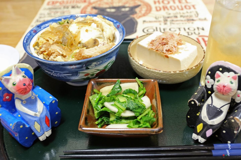 2017 3 31 夕食のかつ丼 ブログ用.jpg